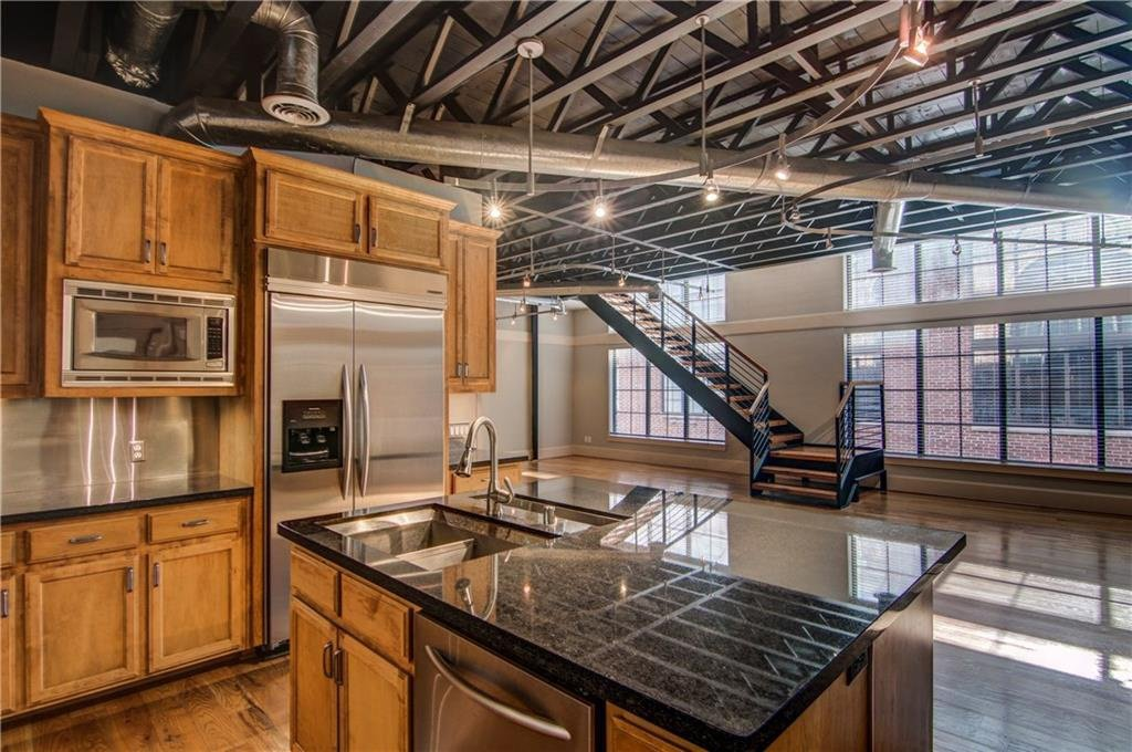 3911 Gilbert Oak Lawn Dallas, TX - Lofts on Oak Lawn