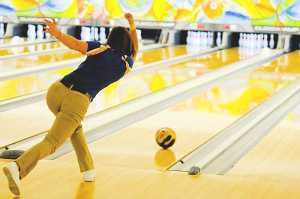 Bowling - Image Credit: https://pixabay.com/en/users/skeeze-272447/