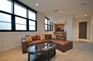 Las Colinas Lofts