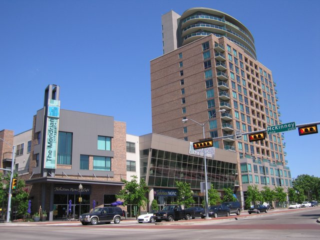 High Rise Condos & Apartments in Dallas West Village